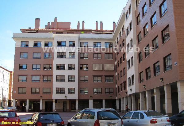 Valladolid web calles plazas y jardines calle tirso for Casa granada tirso de molina